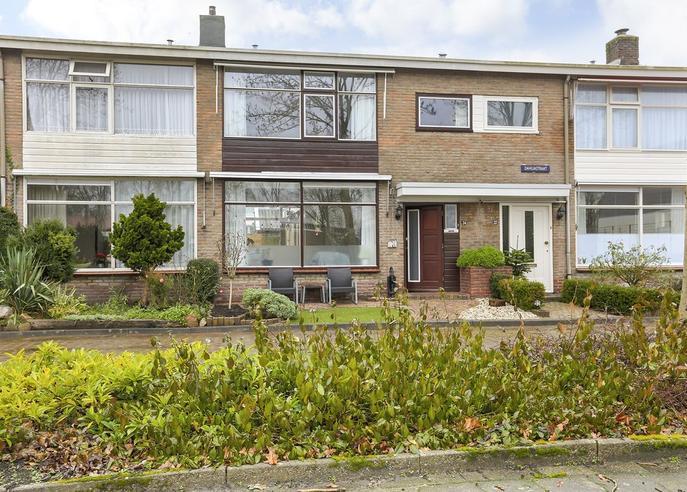 Dahliastraat 24 in Hoogeveen 7906 NK