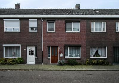 Doolhofstraat 7 in Tegelen 5932 CR