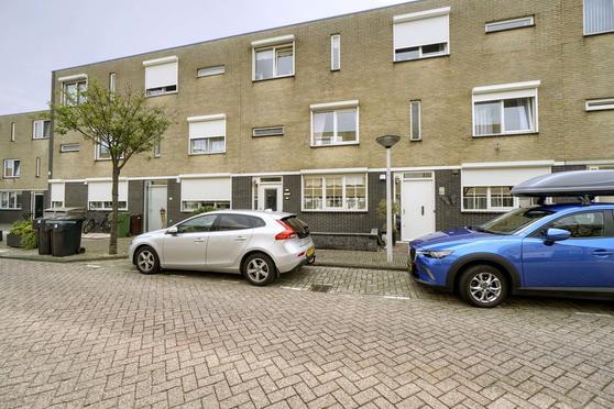 Sara Knipscheerstraat 34 in Leiden 2331 SK