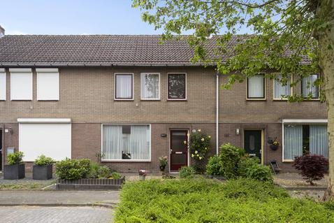 Tooropstraat 19 in Sprang-Capelle 5161 VC