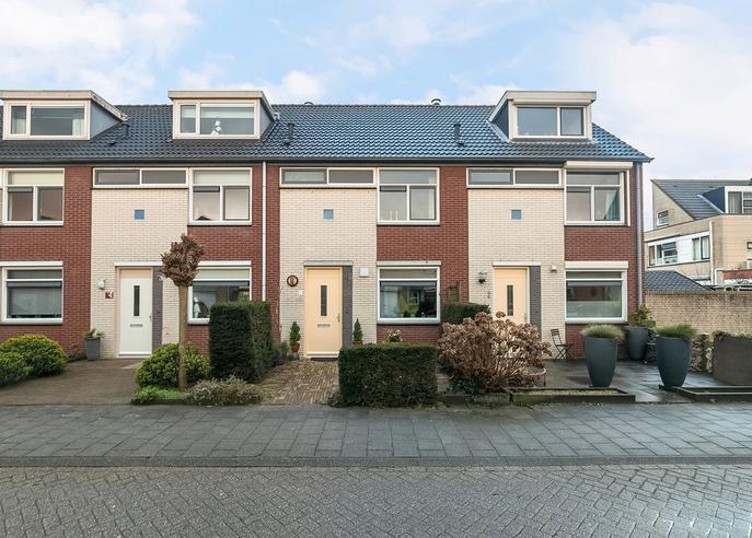 Huizingastraat 4 in Oud-Beijerland 3261 SK