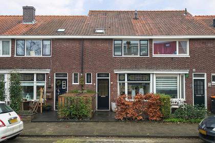 Juliana Van Stolbergstraat 6 in Zwijndrecht 3331 BJ