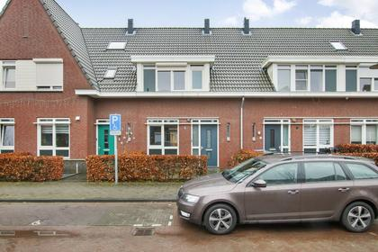Aert Van Der Neerstraat 8 in Gorinchem 4206 WB