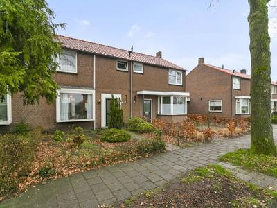 Stakenburgstraat 11 in Son En Breugel 5694 NA