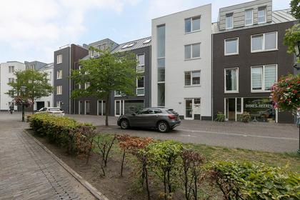 Dorpsstraat 116 in Nootdorp 2631 CV