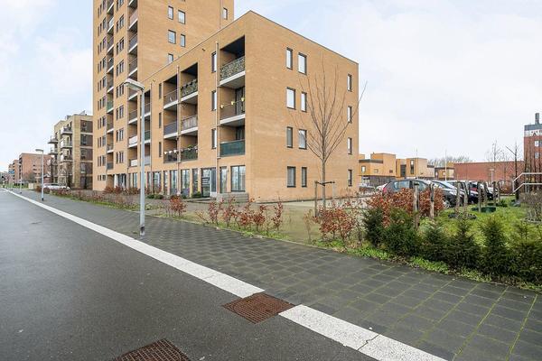 Makassarhof 10 in Almere 1335 HV
