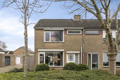 Watermolen 15 in Nieuw-Vossemeer 4681 CK