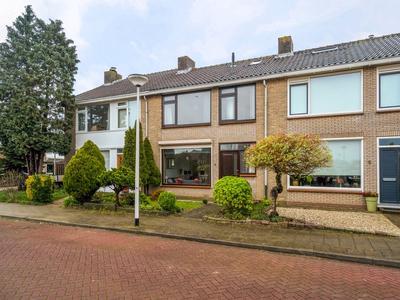 Asterstraat 3 in Oud-Beijerland 3261 AB
