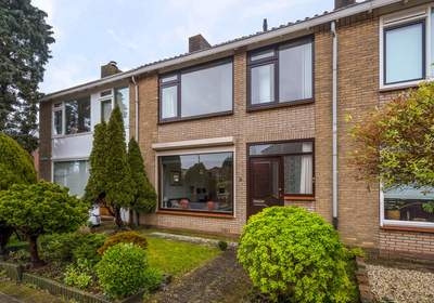 Asterstraat 3 in Oud-Beijerland 3261 AB