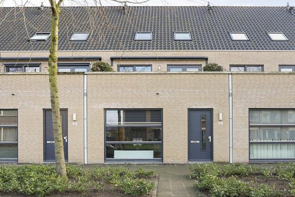 Prof. Piersonstraat 22 C in Waalwijk 5142 EM