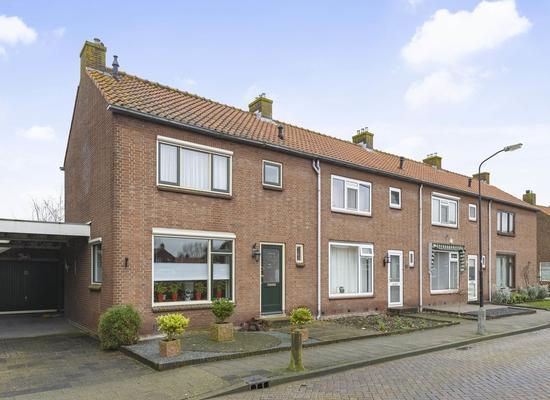 Raadhuisstraat 15 in Wilnis 3648 AR
