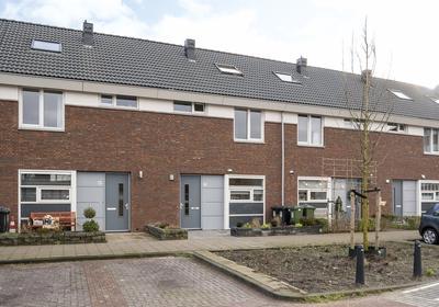 Professor Holwerdalaan 71 in Naaldwijk 2672 LD