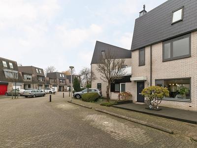 Vinkendaal 12 in Nieuwerkerk A/D IJssel 2914 EN