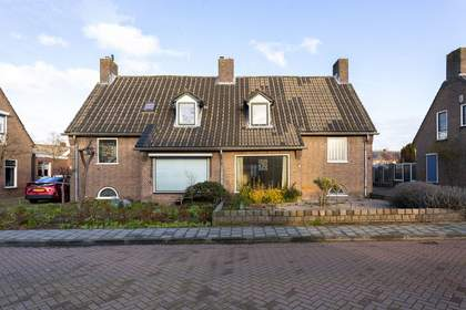 Pastoor Versteegstraat 9 in Angeren 6687 AH