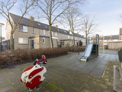 Wethouder Van Damlaan 46 in Wilnis 3648 XM