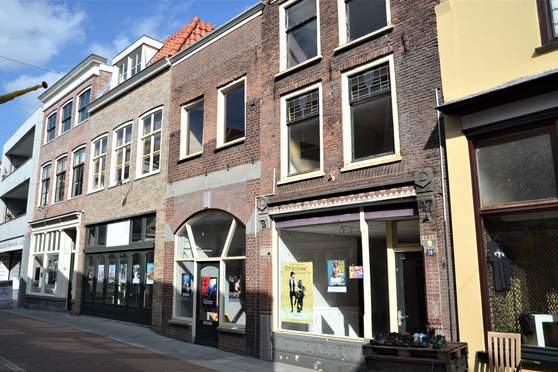 Weerstraat 39 in Tiel 4001 LC