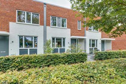 Van Der Waalsstraat 23 in Deventer 7424 GW