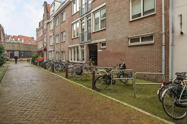 Driehoekstraat 100 in Amsterdam 1015 GL