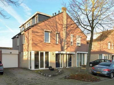 Petronillastraat 9 in Born 6121 NL