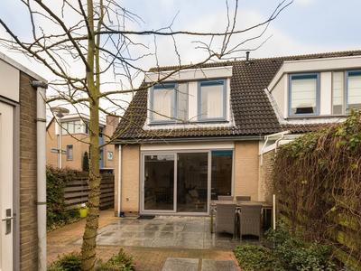 Vuurlaan 33 in Alphen Aan Den Rijn 2408 NA