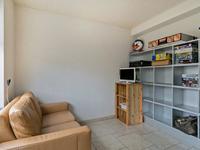 Aan de hal is een extra kamer gelegen welke prima als speel-, werk- of hobbykamer kan worden ingericht.