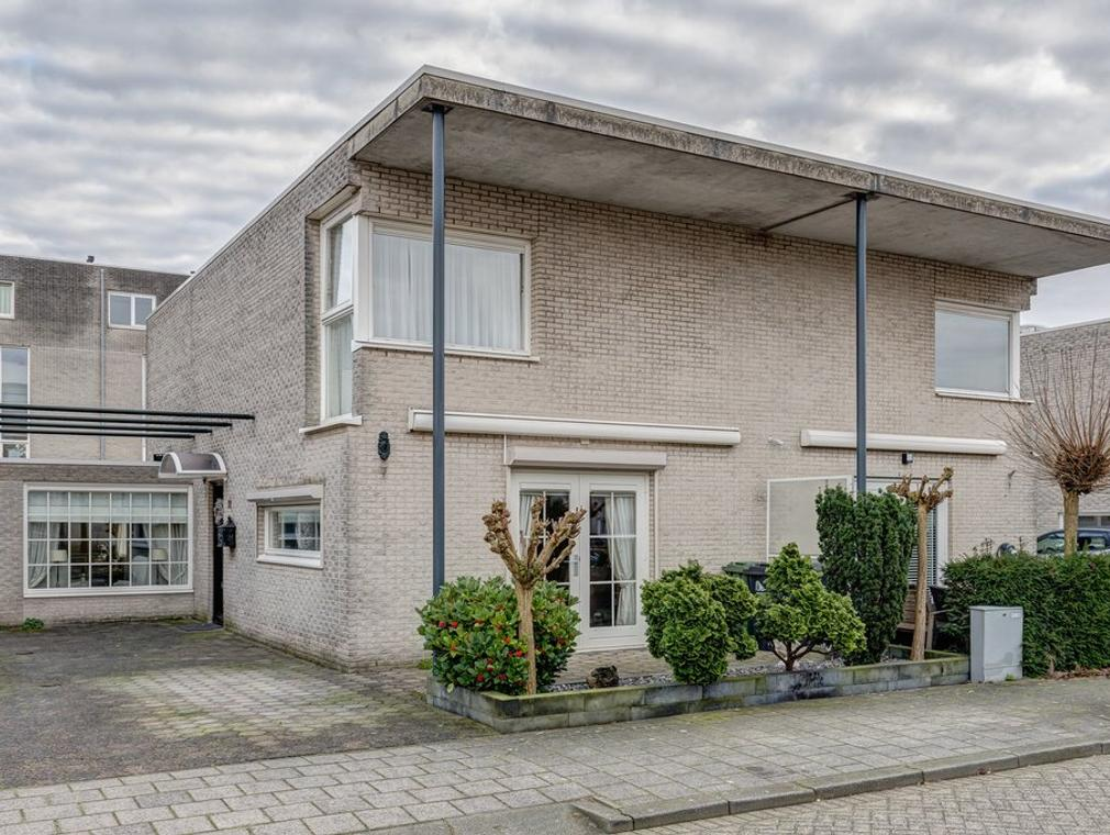 Alida Tartaud-Kleinstraat 72 in Rotterdam 3066 JH