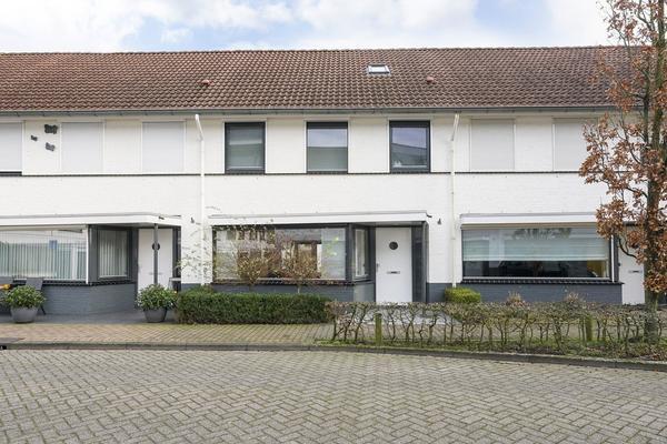 Willem Alexanderhof 7 in Waalwijk 5141 DH