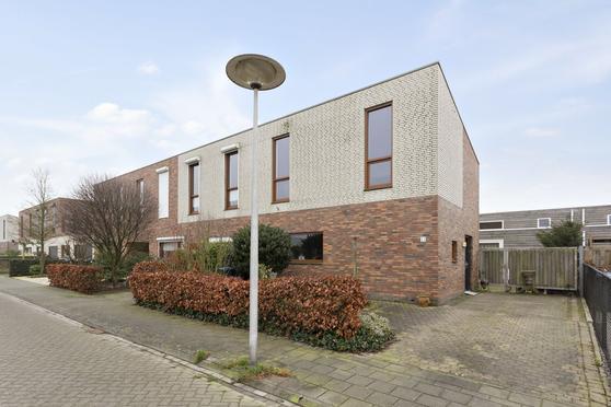 Maisberg 55 in Roosendaal 4708 NR