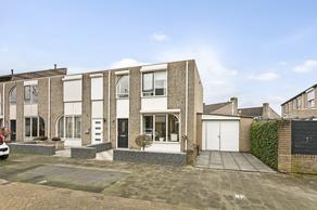 Roolvinkstraat 15 in Oosterhout 4908 DN