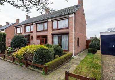 Bernhardstraat 19 in Oud Gastel 4751 BM