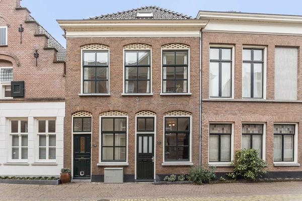 Sint Jacobstraat 21 in 'S-Hertogenbosch 5211 LP