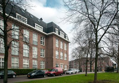 Joh.M. Coenenstraat 62 * in Amsterdam 1071 WH