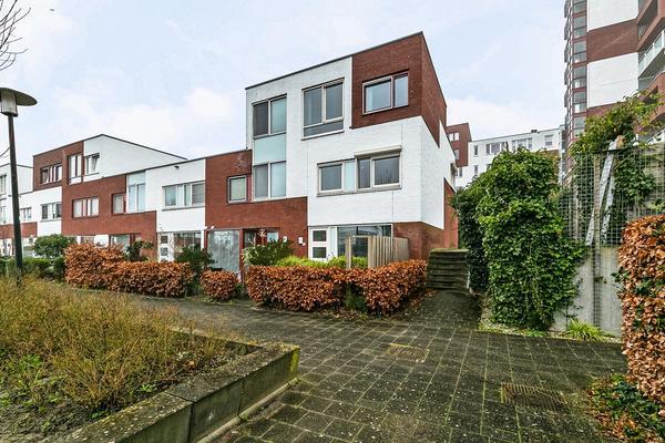 Rhodoshof 14 in Rotterdam 3059 XM