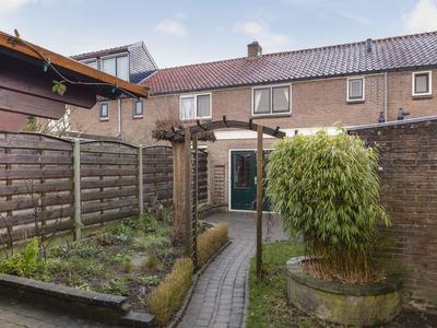Anthonie Van Dyckstraat 42 in Deventer 7412 RN