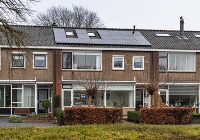 Burgemeester De Zeeuwstraat 394 in Ridderkerk 2982 BE