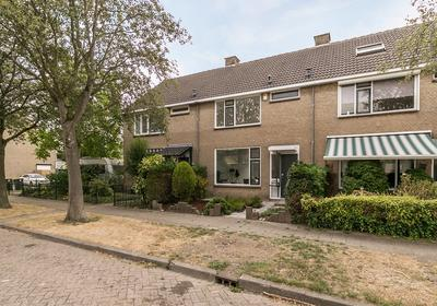 Grebbestraat 13 in Oud-Beijerland 3262 GD