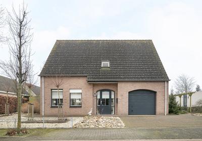Koekoeksbloem 27 in Hulst 4561 TL