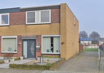 Pastoor Wolfsstraat 15 in Guttecoven 6143 BE