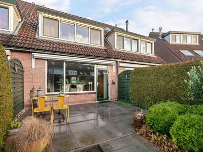 Waterhoen 21 in Oud-Beijerland 3263 BL
