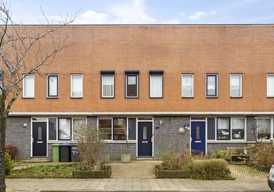 Buizerd 22 in Bergen Op Zoom 4617 JL