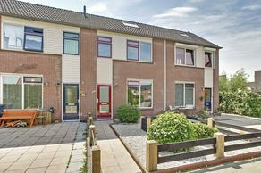 Dokter Van Wieringenstraat 32 in Waardenburg 4181 BW
