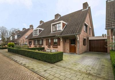 Jan Hokaarsstraat 28 in Helmond 5708 CV