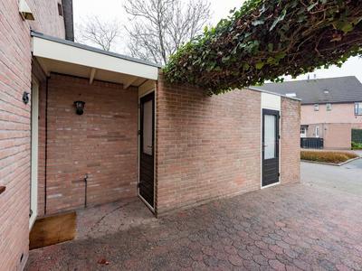 Patrijzenhof 45 in Barneveld 3772 RG
