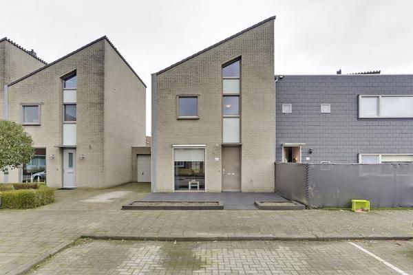 Burgemeester De Weertstraat 26 in Rucphen 4715 HC