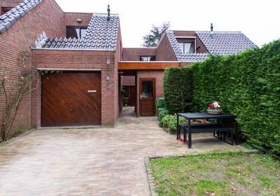 Sam Van Houtenplein 18 in Leiden 2314 EE