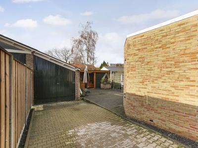 Burgemeester Verduynstraat 11 in Pernis Rotterdam 3195 SB