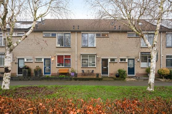 Jan P. Vethstraat 5 in Hendrik-Ido-Ambacht 3343 RG