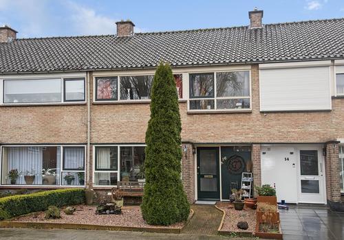 Jacob Catsstraat 16 in Nijverdal 7442 VR