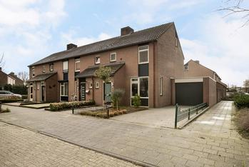 Van Renessestraat 2 in Sevenum 5975 SN