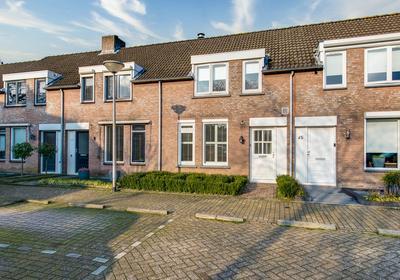 Hofstad 43 in Waalwijk 5142 NH